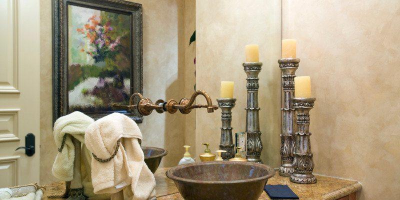 Bạn có thể treo tranh nghệ thuật trong phòng tắm không?