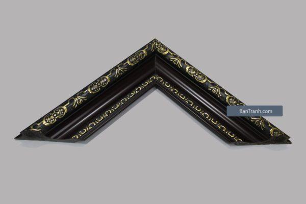 Khung tranh màu đen họa tiết ánh kim vàng cầu kỳ, tinh tế
