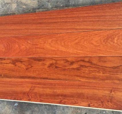 Ưu điểm gỗ hương và tại sao nên chọn gỗ này cho khung tranh
