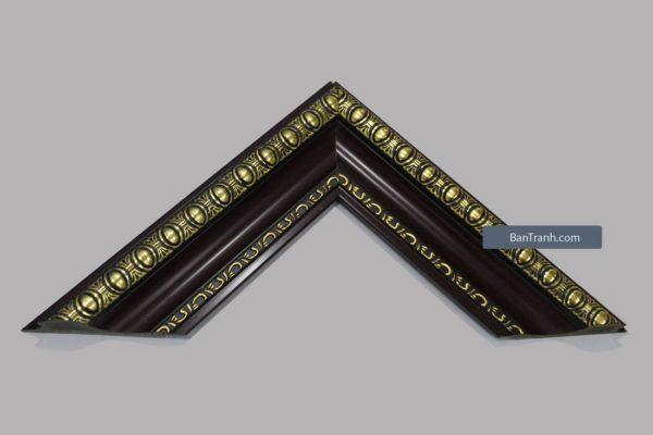Khung tranh màu nâu đen viền vàng họa tiết sang trọng