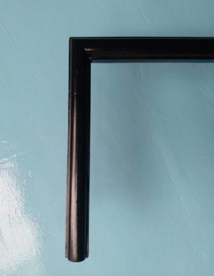 Khung tranh gỗ màu đen đẹp và quý phái