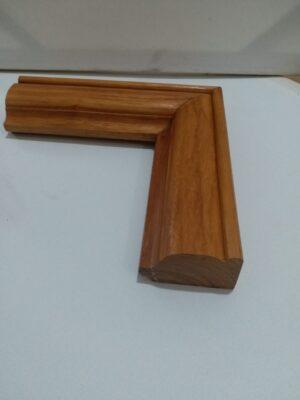 Khung tranh gỗ gõ đỏ nguyên khối, bền và đẹp