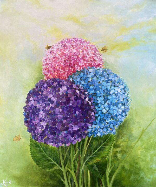 Hoa cẩm tú cầu và bướm nhỏ